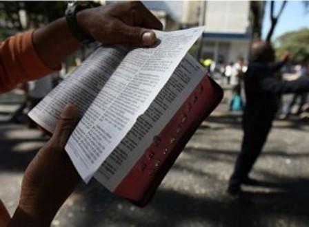 The iBlogay - Pregação contra gays